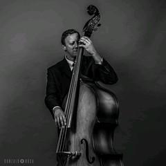 True love (Killin.Joke) Tags: nikond5300 35mm jazz contrabajo cello blancoynegro retrato portrait music musica blackandwhite