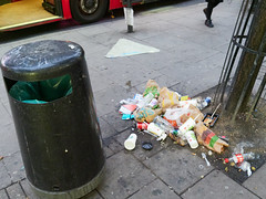 Tottenham Court Road. 20181018T06-21-31Z (fitzrovialitter) Tags: england gbr geo:lat=5151743000 geo:lon=013099000 geotagged tottenhamcourtroad unitedkingdom peterfoster fitzrovialitter city camden westminster streets urban street environment london fitzrovia streetphotography documentary authenticstreet reportage photojournalism editorial daybyday journal diary captureone olympusem1markii mzuiko 1240mmpro microfourthirds mft m43 μ43 μft ultragpslogger geosetter exiftool rubbish litter dumping flytipping trash garbage