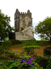 Woman (moacirdsp) Tags: woman stone building fajã de baixo ponta delgada concelho são miguel açores portugal 2018 cima adventures with t4w 4x4 tours wwwt4wpt
