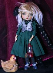 Bonny and Bellina (bentwhisker) Tags: doll bjd resin maskcat gladys bellinathehen chicken 3065 aimerai