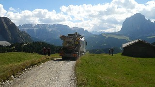Day 12 • Col Raiser, Garbage Truck leaving