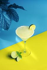 1margartima+planta azul (carmenmedinalopez) Tags: drinks margarita lime ice yellow blue madrid foodstylist estilismodealimentos foodphotography