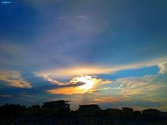 misano sky (archgionni) Tags: cielo sky nuvole clouds natura nature luce light raggi rays sole sun estate summer vacanze vacations case homes hotels skyline tramonto sunset misano italia italy