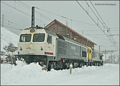 Busdongo. (pazalberto269) Tags: spain snow pajares amazing renfe rail trainspotter tracks trainspotting nikon natural adif