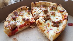 Deep Dish Pizza (Sandra & Dean K.) Tags: chicago usa us united states america deep dish pizza downtown willis tower sears hancock illinois seefood bob chinns signature lounge skyscraper cloud gate the bean millennium park