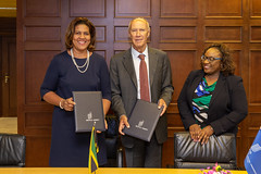 WIPO Director General and Head of Jamaica's IP Office Sign TISC Agreement (WIPO | OMPI) Tags: assemblies bilateralmeeting directorgeneral francisgurry jamaica ompi wipo