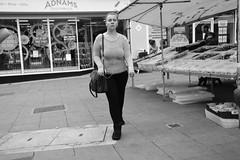 Adnams (Bury Gardener) Tags: streetphotography street streetcandids snaps strangers people peoplewatching candid candids nikond7200 nikon 2018 england eastanglia blackandwhite bw burystedmunds suffolk cornhill