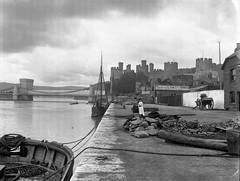 img757 (foundin_a_attic) Tags: conwy castle bridge estuary