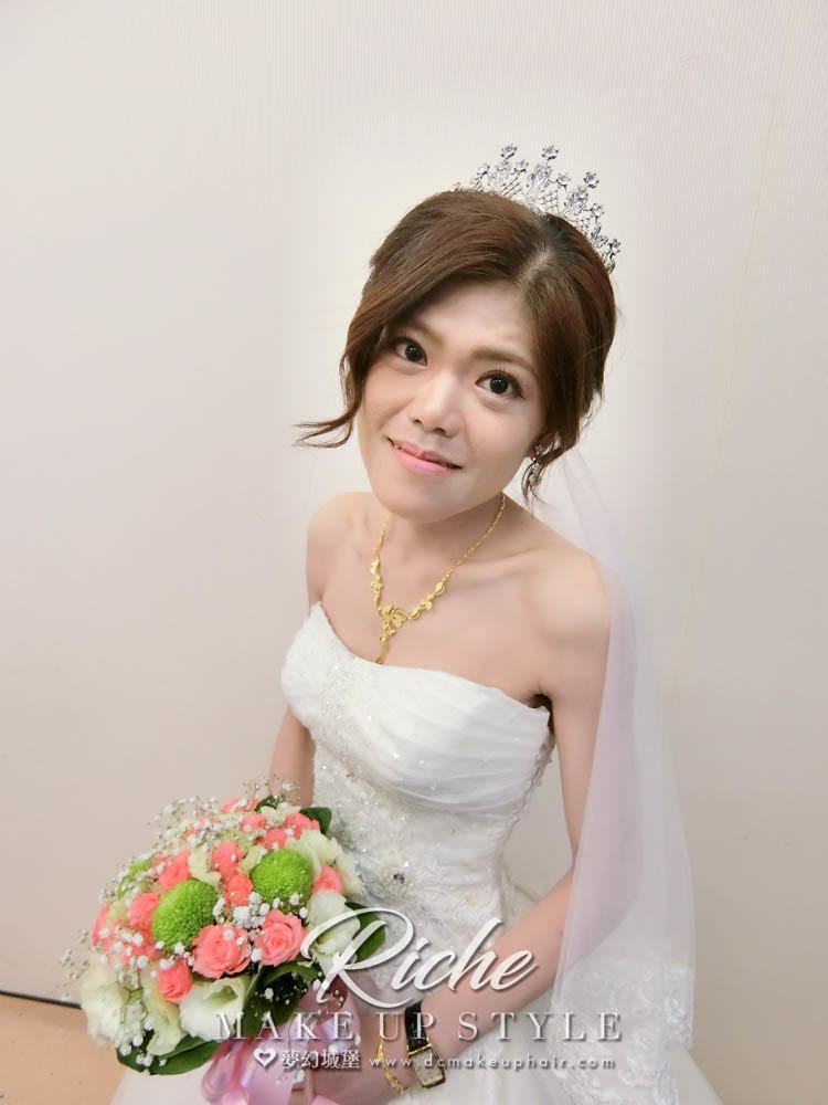 【新秘RICHE】bride佳萍 結婚造型 / 台中旌旗教會