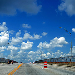 Savannah, Georgia, USA (pom'.) Tags: panasonicdmctz101 july 2018 america northamerica usa unitedstatesofamerica georgia savannah car fromamovingvehicle 100 bridge sky clouds 200 americanwayoflife 300