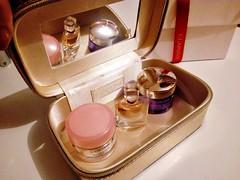 Cofre Lancome (Gabriela Andrea Silva Hormazabal) Tags: perfumes perfume parfum eaudeparfum cofre lancome crema espejo mirrir