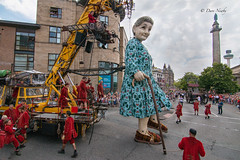 #GiantsLiverpool2018/14 (davenewby123) Tags: giantsliverpool2018 liverpool giants cities davenewby2 spectacularshow road people statue building city tower crowd sky giantspectacle liverpoolgiants giantsliverpool tree royalliverbuilding bike giantgrandmother giantxolo animal
