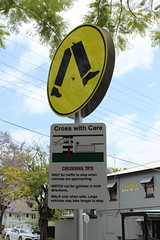 Pedestrian crossing with instructions, Brisbane (philip.mallis) Tags: brisbane sign pedestriancrossing zebracrossing antipedestrian hamilton