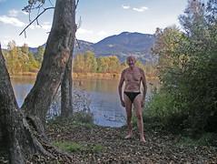 IMGP3486a (barfuss15) Tags: schweiz ostschweiz alpenrheintal rhein alterrhein diepoldsau schwimmen wasser badeslip obenohne shirtless speedos