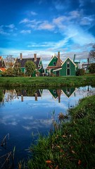 Community (franlaserna) Tags: iphone photographer photography masterpiece paisaje reflection river water clouds cloudy green nature landscape houses