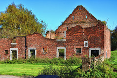 No roof anymore. (wimjee) Tags: nikond7200 nikon d7200 wandeling walk hike belgië afsdx18–55mmf35–5vrii oud old gebouw building belgium niksoftware colorefexpro4 abandoned decay urbex boerderij farm