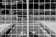 Reflejo de una sociedad (Osruha) Tags: torreskio madrid españa espanya spain reflejo reflexe reflections architecture arquitectura blancinegre blancoynegro blackandwhite bw bn bnw nikon nikonistas nikond750 d750 ciudad ciutat city