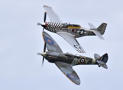 Spitfire and Mustang (nickym6274) Tags: sywellpistonsprops 2018 sywellaerodrome sywell northamptonshire supermarinespitfiretixml407 spitfire ml407 northamericantf51dmustang p51mustang mustang 414251 aeroplane airshow aircraft