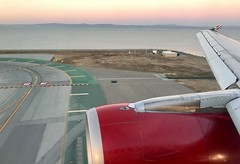 #Landing @ #SFO# ,the flight originated in #LAS# , #A320 #AlaskaAirlines please note this is #VirginAmerica aircraft ,virgin America has gone out of business (Σταύρος) Tags: jetengine sfia jetwing sunset windowview landing sfo las a320 alaskaairlines virginamerica