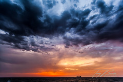 MOVIE CLOUDS - NUBES DE PELICULA (TONY-BUENO - Barcelona) Tags: canon eos 5d 5dmkii 5dmk2 1635f28 almeria amanecer carboneras cloud cabodegata costa nube nubes mar
