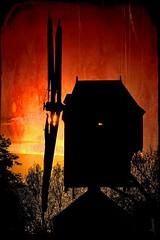 Moulin rouge. (*Jost49* (±Off)) Tags: paysdelaloire moulin mill windmill contrejour againstthelight silhouette texture crépuscule dusk
