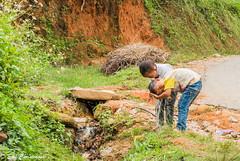 -c20180916-810_0085 (Erik Christensen242) Tags: đồngvăn hàgiang vietnam vn boys children color hairwash street