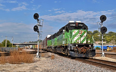 Southbound Local in Kansas City, MO (Grant Goertzen) Tags: bnsf bn burlington northern railroad railway locomotive train trains south southbound ns norfolk southern yard job local transfer freight kansas city missouri signal