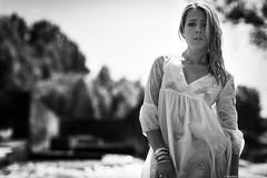 Morgane--7 (tag71) Tags: canon 5dmarkiii 85mmf12liiusm portrait femme girl woman sensuel sexy mouillé eau wet bokeh dof extérieur blonde noiretblanc nb monochrome blackwhite contrejour contraste modèle amateur beauté backlight lumièrenaturelle