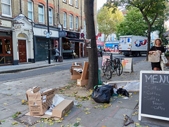 Tottenham Street Tree of Filth. 20181011T07-41-50Z (fitzrovialitter) Tags: bloomsburyward england fitzrovia gbr geo:lat=5152043000 geo:lon=013498000 geotagged unitedkingdom peterfoster fitzrovialitter city camden westminster streets urban street environment london streetphotography documentary authenticstreet reportage photojournalism editorial daybyday journal diary captureone olympusem1markii mzuiko 1240mmpro microfourthirds mft m43 μ43 μft ultragpslogger geosetter exiftool rubbish litter dumping flytipping trash garbage