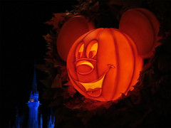 Mickey Pumpkin (meeko_) Tags: mickey mouse mickeymouse pumpkin jackolantern halloween decoration halloweendecoration fall autumn cinderella castle cinderellacastle mainstreetusa magic kingdom magickingdom themepark walt disney world waltdisneyworld florida night disneyhalloween