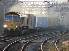 Approaching in the winter sunshine (The Walsall Spotter) Tags: class66 66549 rugeleytrentvalleystation ukfreight freightlner traffordpark