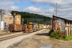 WE 3068 @ Bradford, PA (Michael Polk) Tags: we wle wheeling lake erie emd sd403 3068 freight train buffalo pittsburgh siri pennsylvania bradford boxcar