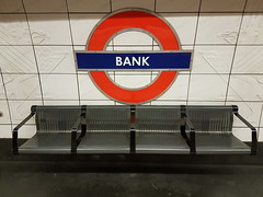 Bank bench (gerard eder) Tags: world travel reise viajes europa europe greatbritain enland london londres city ciudades cityscape cityview underground metro ubahn bank bench banco seats