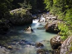 Living on a Rock (Lolo_) Tags: poselongue longexposure torrent souloise défilé rhônealpes posterle gillardes résurgence dévoluy rochers cascade