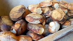 Malta, Bread (diegogrinblat) Tags: malta valletta bread food tasty pan comida brown