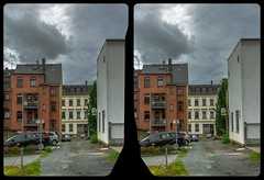 Reichenbach, Oststraße 3-D / CrossView / Stereoscopy / HDRaw (Stereotron) Tags: reichenbach saxony sachsen vogtland streetphotography deutschland germany europe cross eye view xview crosseye pair free sidebyside sbs kreuzblick bildpaar 3d photo image stereo spatial stereophoto stereophotography stereoscopic stereoscopy stereotron threedimensional stereoview stereophotomaker photography picture raumbild hyperstereo twin canon eos 550d remote control synchron kitlens 1855mm 100v10f tonemapping hdr hdri raw 3dframe fancyframe floatingwindow spatialframe stereowindow window