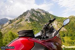 Picos de Europa (DOCESMAN) Tags: moto bike motor motorcycle motorrad motorcykel moottoripyörä motorkerékpár motocykel mototsikl honda nt700v ntv700 deauville docesman danidoces picosdeeuropa asturias cantabria españa spain montaña