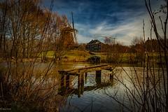 Hessenpark... (hobbit68) Tags: fujifilm xt2 himmel clouds sky wolken mühle windmills windmühlen see wasser steg baum trees sun sonne sonnenschein