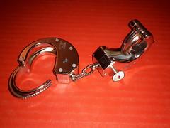 Handschelle (Tech360Jeans) Tags: tied bondage gefesselt handschellen fussschellen fesseln eisenfesseln geil