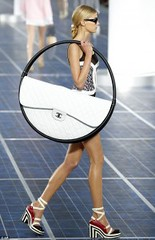 """""""Hula Hoop"""" Bag from Paris Fashion Week became Famous (TrendVogue) Tags: trendvogue net fashion trend vogue style beauty celebrity food health life sex love wedding models mode girl parties ready to wear week designers cat walk"""