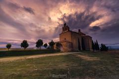 Ermita de la Virgen de la Llana. Almenar de Soria. (Fernando Guerra Velasco) Tags: lallana ermita almenardesoria sunset atardecer amenazatormenta