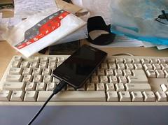 Сборы в дорогу / Before trip (ivanov.orkoff) Tags: работа кабинет гаджеты смартфон самсунг фотогнивановорков фотография beforetrip samsung galaxy5