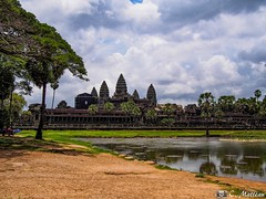 180726-073 Angkor Wat (clamato39) Tags: angkor angkorwat cambodge cambodia temple religieux religion asia asie ciel sky clouds nuages eau water voyage trip ancient ancestrale patrimoine historique historic history