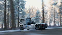10-12-2018_12-39-25_AM (Brokenvegetable) Tags: forza horizon 4 turn10studios microsoft playground games videogame photomode photography volvo iron knight semi truck racing
