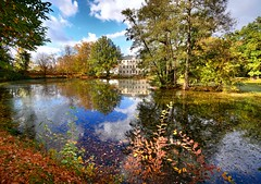 An afternoon in the park (Tobi_2008) Tags: park teich pond spiegelung reflection schloss palace bäume trees natur nature lauterbach sachsen saxony deutschland germany allemagne germania