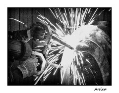 Sparks B&W (Artico7) Tags: electricity prouds mt magnetic magneticparticles protection gloves hands ppe bw blackwhite blackandwhite biancoenero digital monochrome sparks light nde nondestructiveexamination dangerous trails powerfull surface defects steel