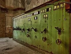 Die alte Papierfabrik (5) (david_drei) Tags: luminar lostplace schalter schalttafel schaltwarte hauptschalter decay abandoned industry industrie