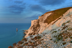 Beachy Head in the morninglight (Pixelkids) Tags: beachyheadlighthouse beachyhead lighthouse england morgenlicht sea coast cliffs sevensisters