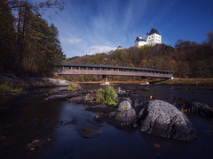 Holzbrücke Burgk (inmyeyespictures) Tags: burgk thüringen thuringia castle burg brücke holzbrücke saale fluss felsen rock river gfx50s gf23f4 langzeitbelichtung longtimeexposure