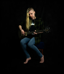 Johanna | Chemical physicist (Giovanni Malfattore) Tags: johanna chemistry physics chemical portrait girl ritratto new life trieste brenizer photomerge guitar chitarra shirt blonde long hair heavy metal player jeans denim dark darkness black background led light barefoot minimal